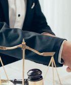 ¿Qué trabajo realizan en los estudios de abogado?